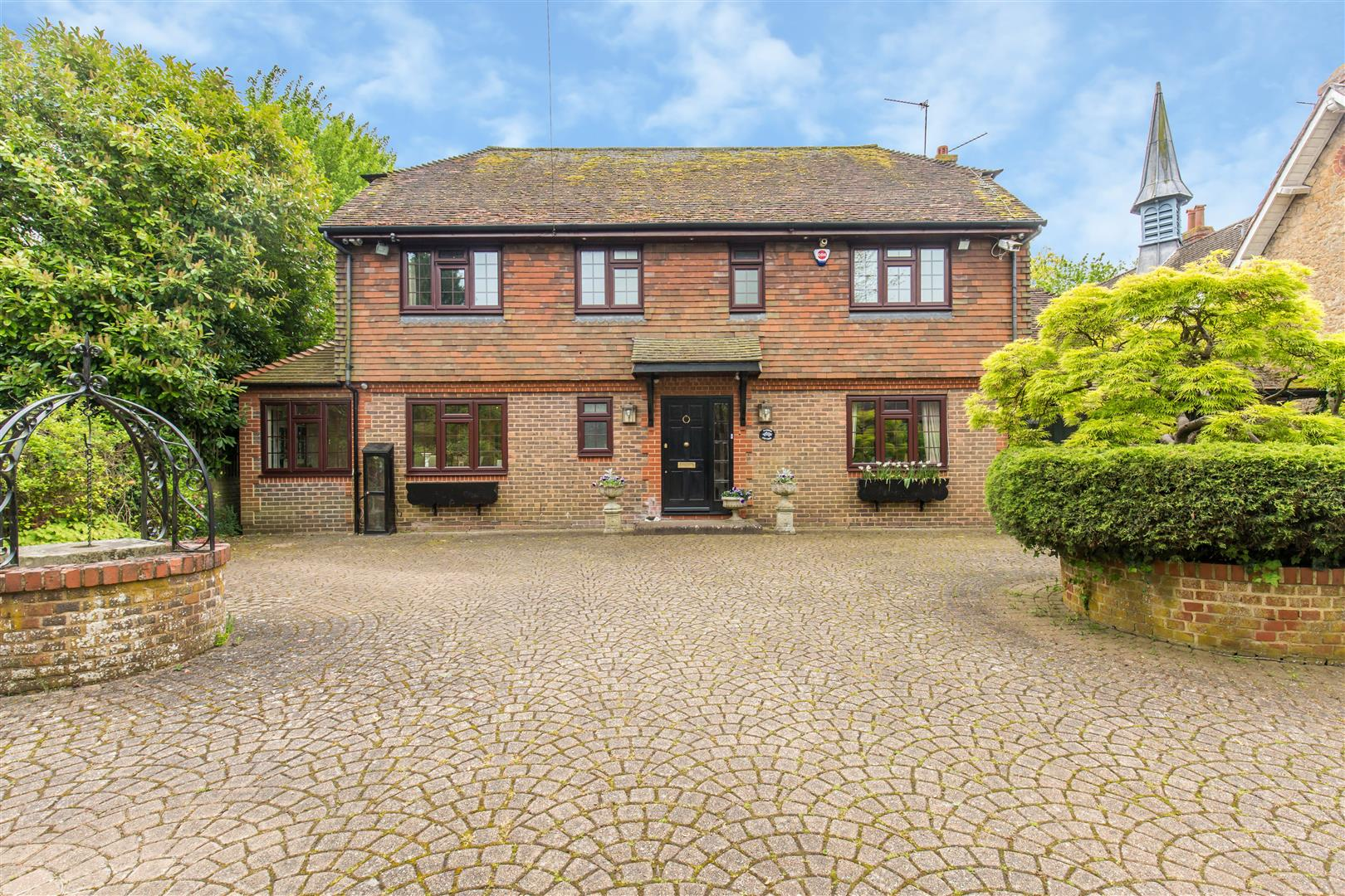3 Bedrooms Detached House for sale in High Street, Brasted, Westerham
